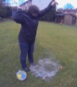 Wasserbombe
